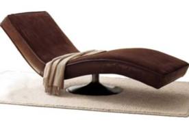 Несмотря на гипертрофированные размеры, мягкая мебель не теряет своей элегантности