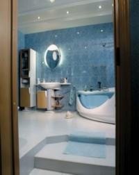 Не стоит выкладывать какую-либо поверхность в доме зеркальной плиткой