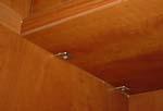 При выборе марки мебели обратите особое внимание на качество крепежа