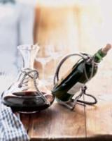Все столовые вина должны храниться в бутылках в горизонтальном положении