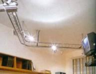 Интересный вариант освещения комнаты - токопроводящие конструкции