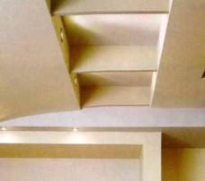 Интересно расположить источники в торцах подвесных конструкций